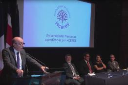 Michel Cosnard faisant le discours d'accréditation de l'université technologique du Costa Rica