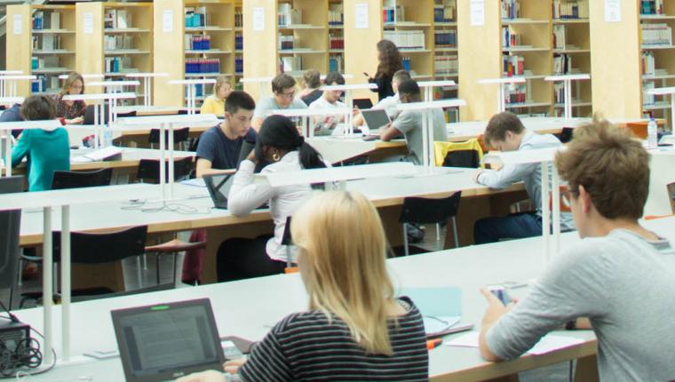 Bibliothèque étudiante